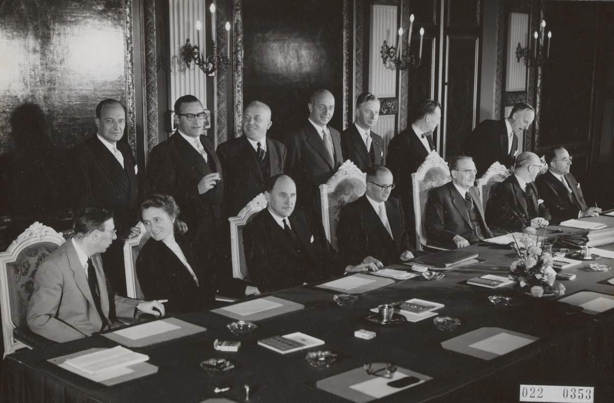 Het Witte Kabinet.Kabinet Drees Iii 1956 1958 Regering Rijksoverheid Nl
