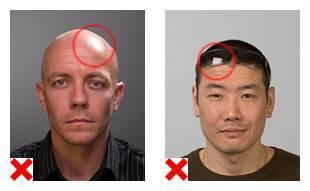 2 voorbeelden van pasfoto's, waarop de belichting niet voldoet aan de eisen.
