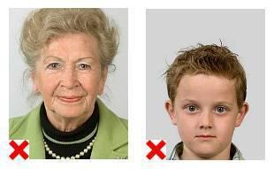 2 voorbeelden van pasfoto's waarop de positionering niet volgens de eisen is.