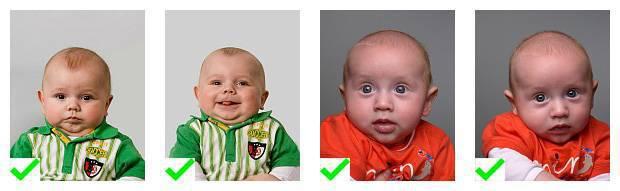 4 voorbeelden van pasfoto's van kinderen onder de 6 die voldoen aan de eisen.