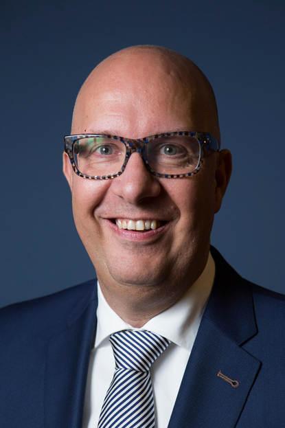 Portretfoto burgemeester Mikkers van 's-Hertogenbosch